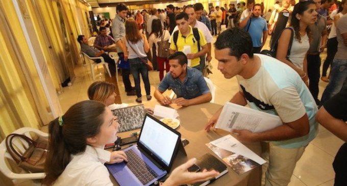 Feria de Empleos para residentes en la Chacarita