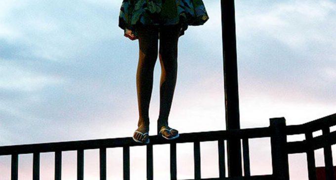 Niña se suicida por abusos de su padre