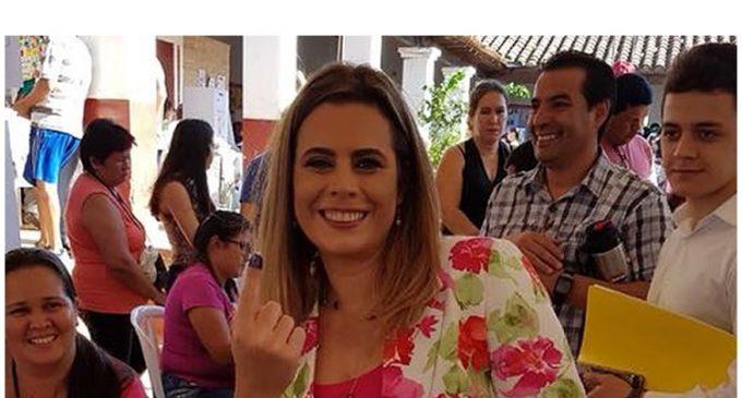 Diputada Kattya González donará su pin de oro valorado en G. 3 millones