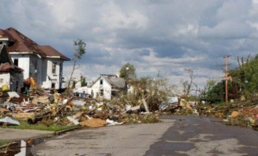 Tornados en Iowa dejan cerca de 20 heridos y provocan destrucción