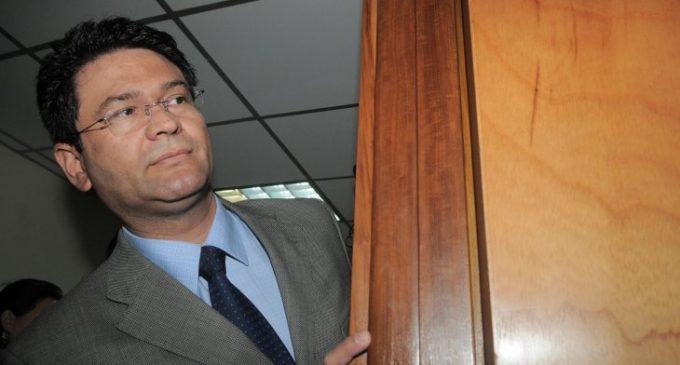 """Asunción podría declarar """"persona no grata"""" a Ibáñez"""