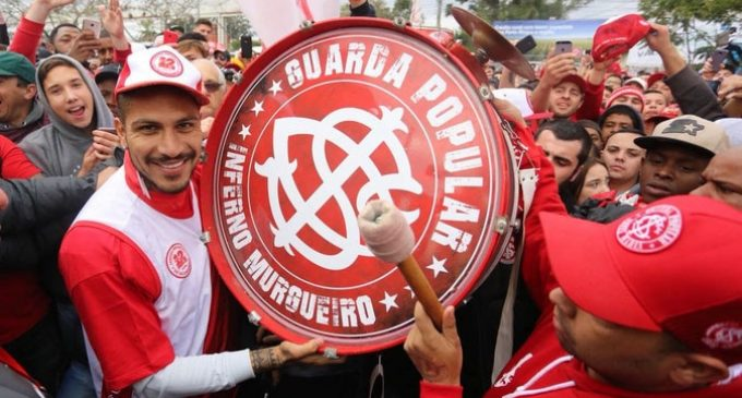 Suspenden de nuevo a Paolo Guerrero