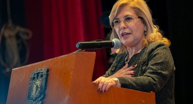 Senadora aclara que votará contra González Daher