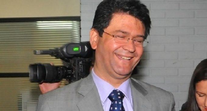 Hay razones morales y de honorabilidad para que Ibáñez no siga en Congreso, afirma abogado