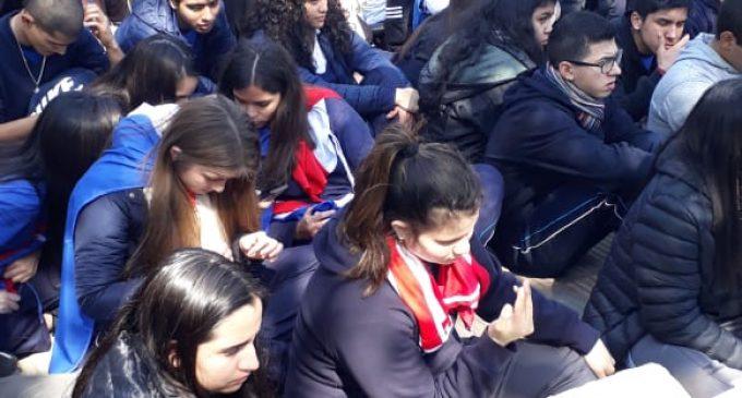 """Estudiantes critican """"inacción y silencio"""" de Mario Abdo"""