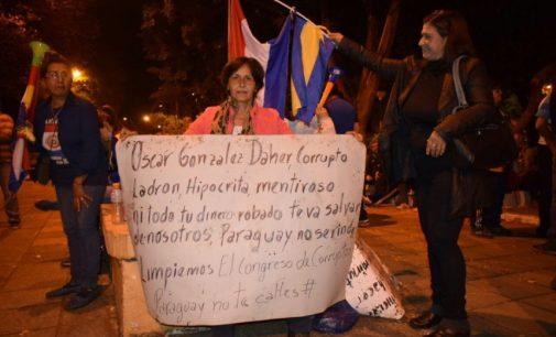 """Madre de Tobías Vargas repudió exigencia de González Daher: """"Le truncaron la carrera a mi hijo"""""""