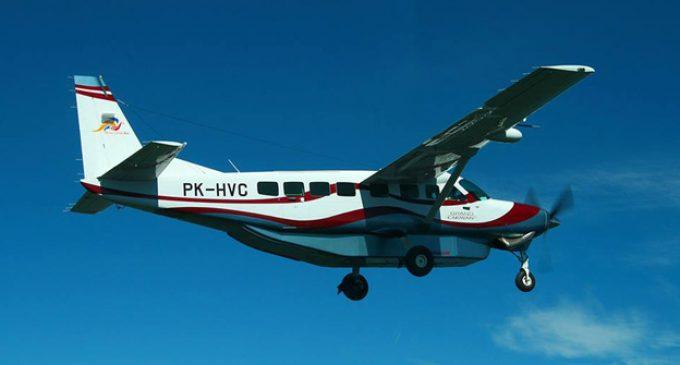 Buscan avión monomotor con nueve personas a bordo desaparecido en Indonesia