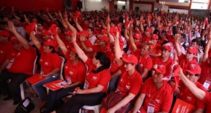 Apuntando contra 'outsiders', dirigentes quieren llamar a convención para cambiar estatuto de la ANR