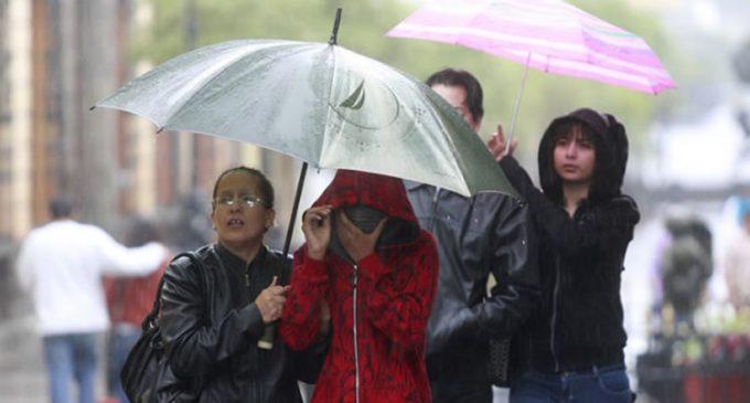 Viernes lluvioso, con tormentas y descenso de temperatura