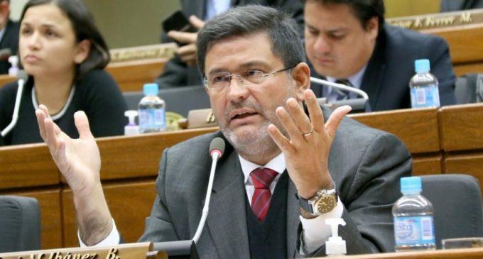 Ibáñez presentó renuncia