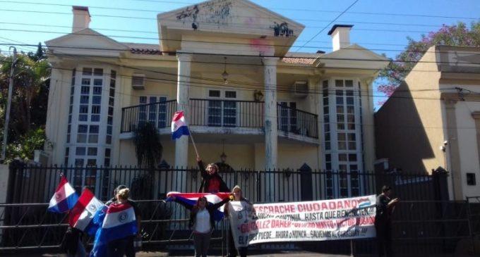 Tras allanamiento en domicilio de González Daher, convocan a nueva manifestación