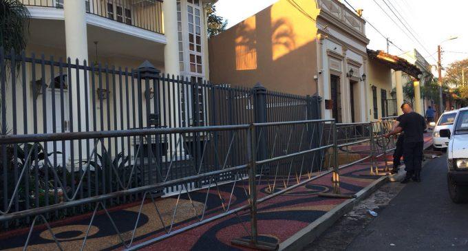 """""""El fiscal arrugó"""" en allanamiento de casa de González Daher, dice constitucionalista"""