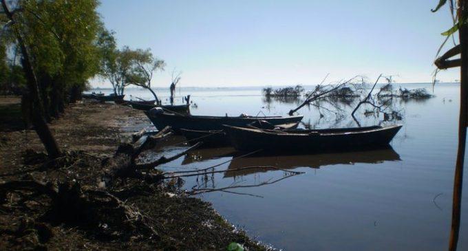 Buscan a dos menores en el río Paraná