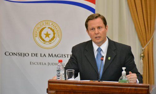 """Candidato a ministro de Corte propone una APP para """"expedientes electrónicos"""""""