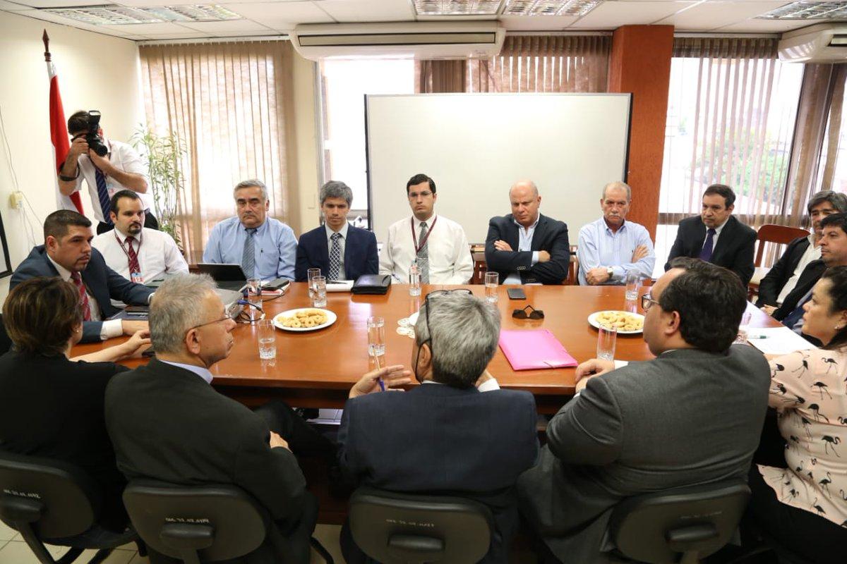 Tributación, empresarios y contadores acuerdan que inversiones serán deducibles para el IRP