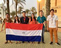 Joven paraguayo gana medalla de bronce en competencia mundial de matemáticas