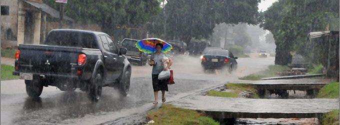 Anuncian martes lluvioso y con tormentas
