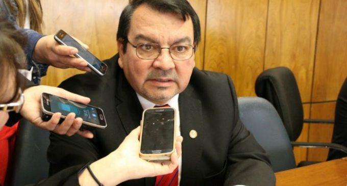Abogado de McLeod dice que es innecesario que la intendenta solicite a la Junta su nota de renuncia para retirarla