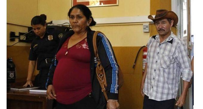 Autoridades se reúnen con madre de Edelio Morínigo