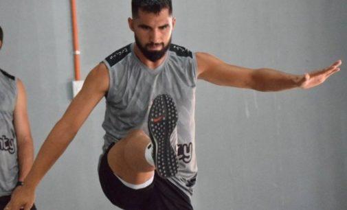 Alberto Espínola será presentado este mediodía