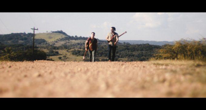 Nestorló y Los Caminantes preparan estreno del videoclip Mamáma