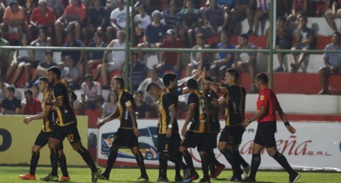 Guaraní juega por alcanzar la punta