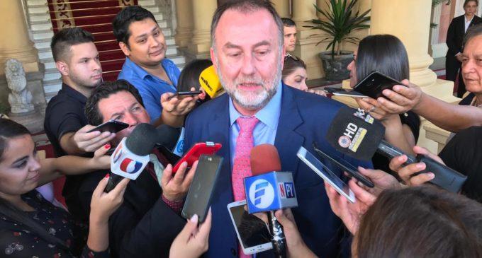 """Hacienda abre investigación sobre """"aumentazos"""" a funcionarios públicos"""