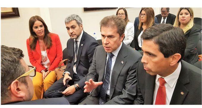 """Caso Arrom – Martí: """"La presencia del presidente Abdo fue una vergüenza"""", cuestiona abogado"""