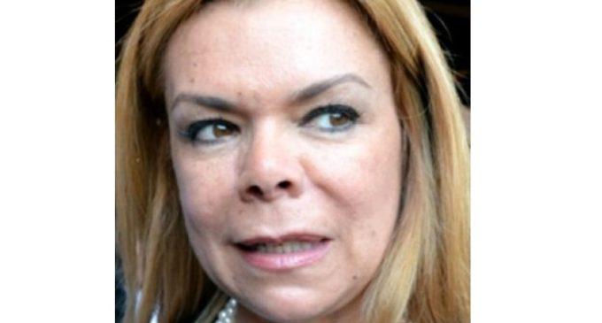 Destituyeron a Sandra McLeod