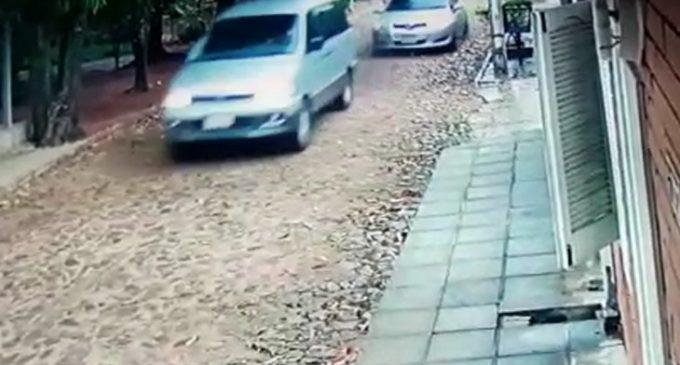 G. 3.500 millones pide conductora de bus escolar baleado por policías