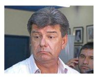 """Senador acusa a Efraín de pagar a planilleros """"desde tereré rupa hasta bailes eróticos"""""""
