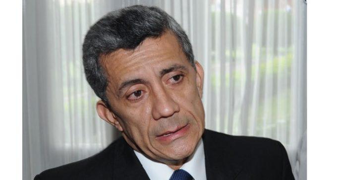 Camacho espera ser electo ministro de Corte