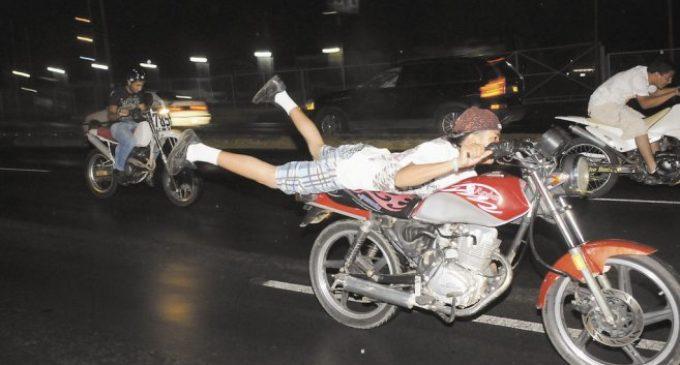 Preocupa pandillas de motociclistas en Luque