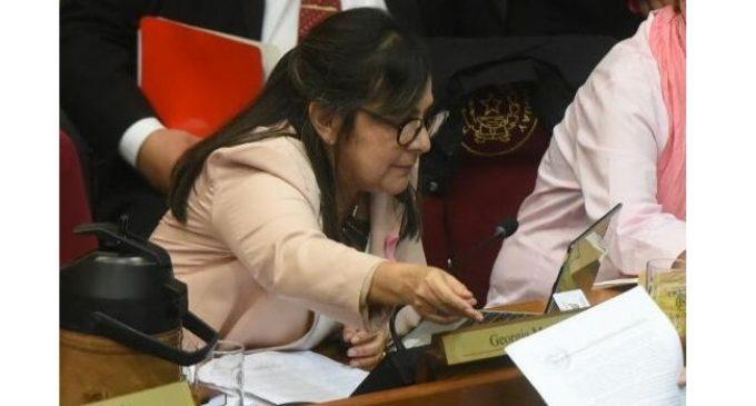 """""""La Constitución no dice que Paraguay es un Estado laico"""", asegura senadora"""