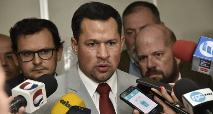 Ulises Quintana renuncia a su precandidatura a intendencia de CDE