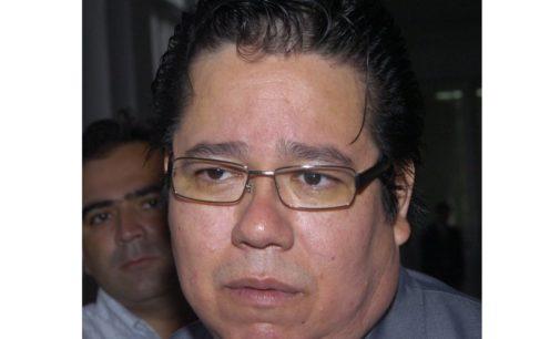Diputados aprueba renuncia de García y toma juramento a nuevo contralor