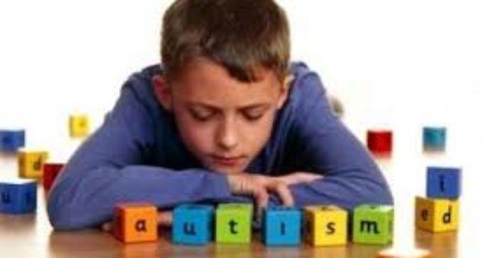 """Faltan profesionales para acompañar a niños con espectro autista"""