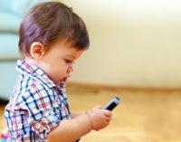 La OMS recomienda no dar pantallas electrónicas a niños menores de 1 año