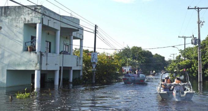 1.000 familias evacuadas por inundaciones en Nanawa