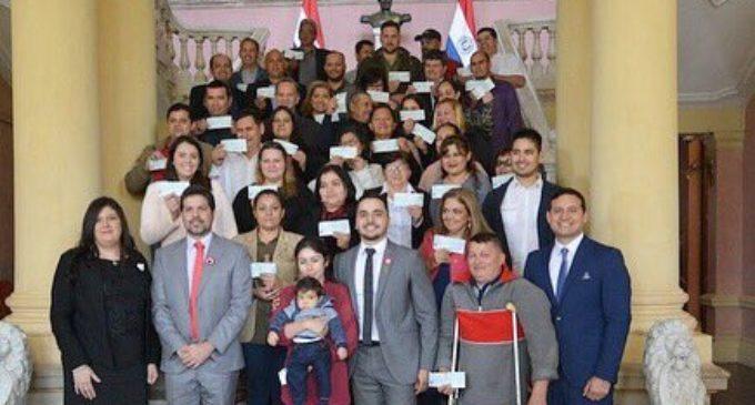 Emprendedores repatriados recibieron aportes del Gobierno