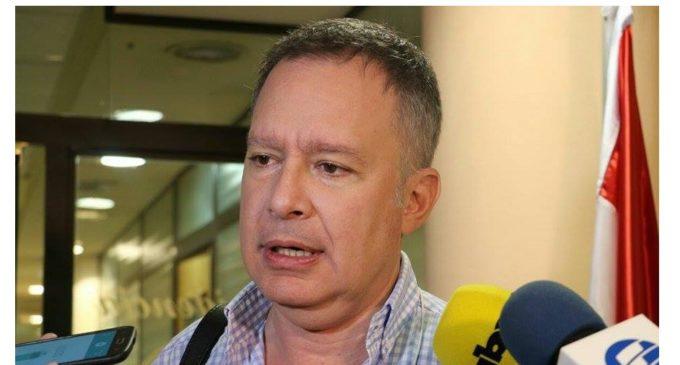 Sindicalista de IPS acusa a senador liberal de haberse enriquecido con licitaciones