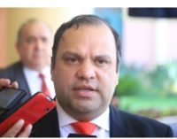 Ministro de Desarrollo Sostenible justifica despidos de funcionarios
