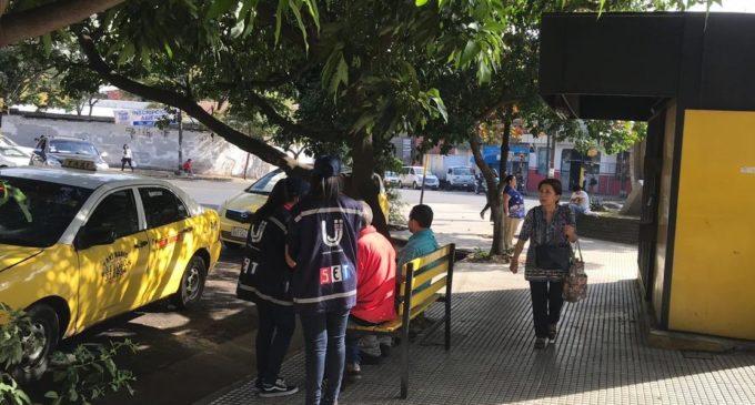 Tributación comienza controles a paradas de taxi