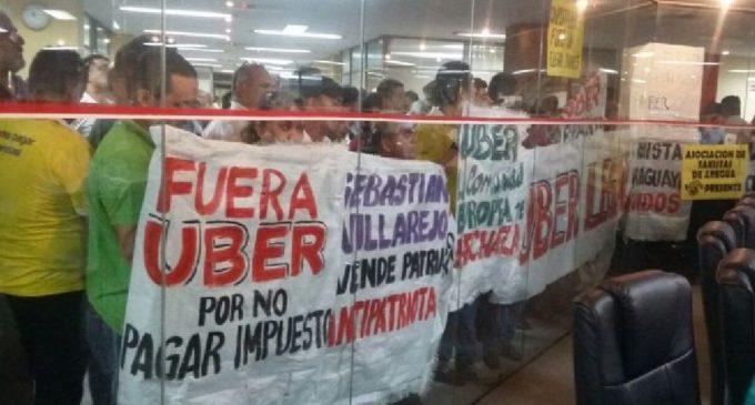 """""""Fue un desliz"""": Taxista pidió disculpas tras pedir que periodistas """"sean fusilados con cañón"""""""