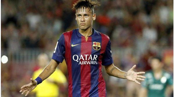 Neymar sufre un esguince en el tobillo