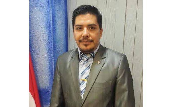 Portillo pide reducir el receso parlamentario