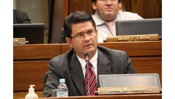 Ibañez afirma no tener injerencia en contratación de caseros