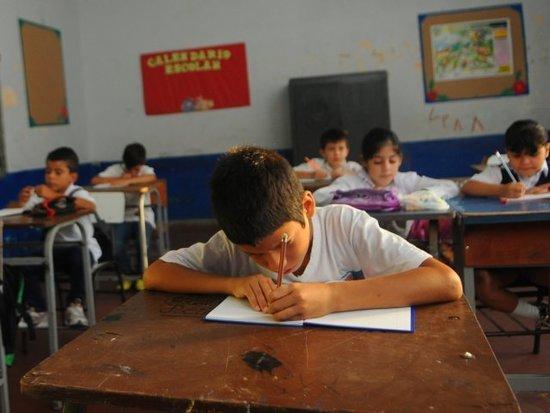 Es muy difícil que en el año 2020 se pueda retornar a las aulas, sostiene educador