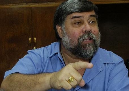 Yoyito Franco considera que Cartes debe pedir su reelección y no imponerla