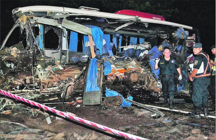 Confirman que seis personas fallecieron en accidente de Compañia Pedrozo